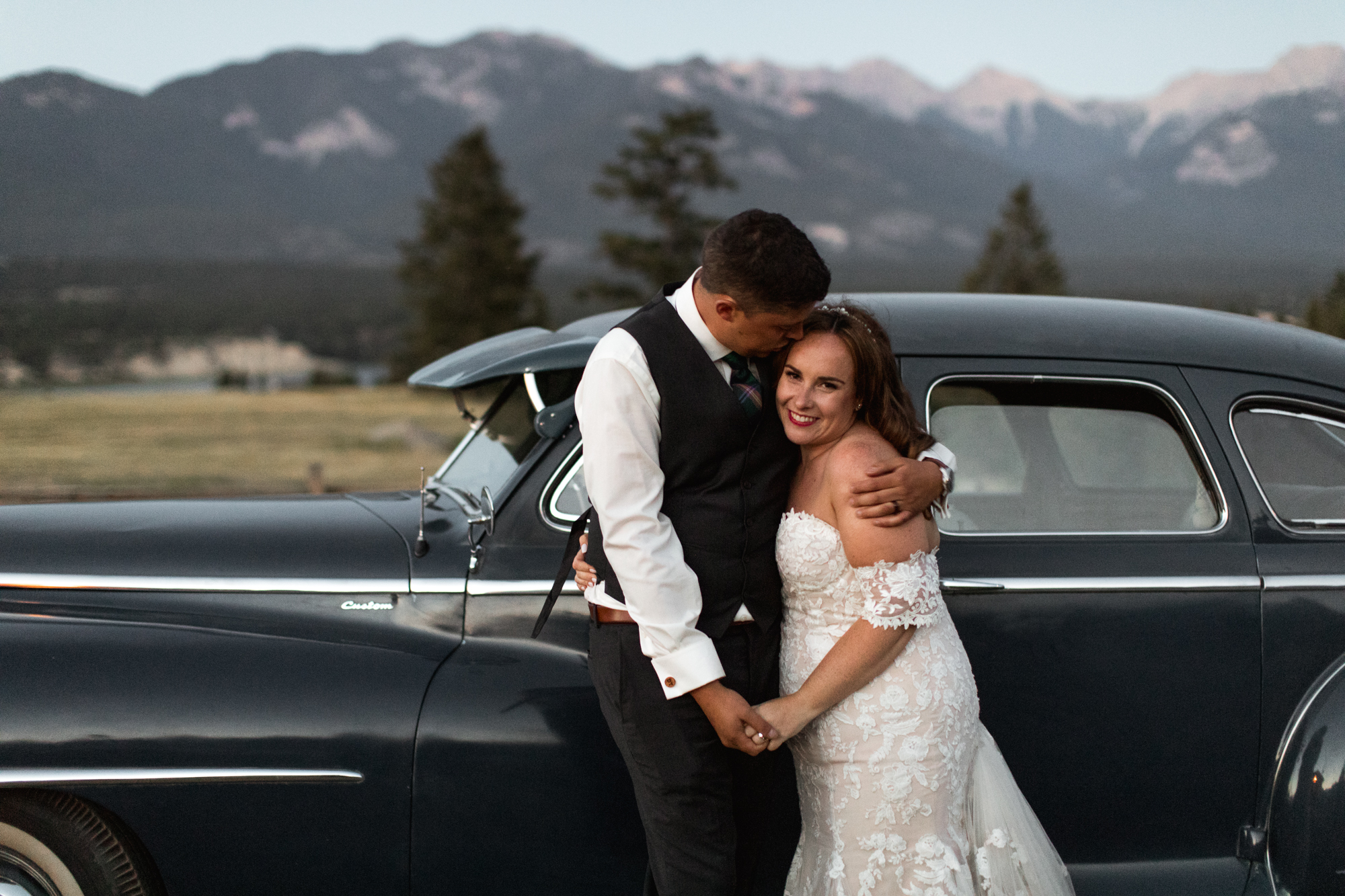 121-Willow_and_Wolf_Wedding_Photography_Heather_and_Devon_Invermere_Wedding_Dancing_-BEC_8954