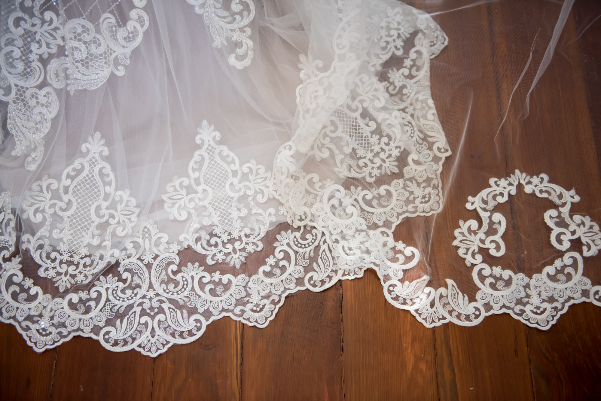 New Orleans Vintage wedding dress, scalloped lace edge