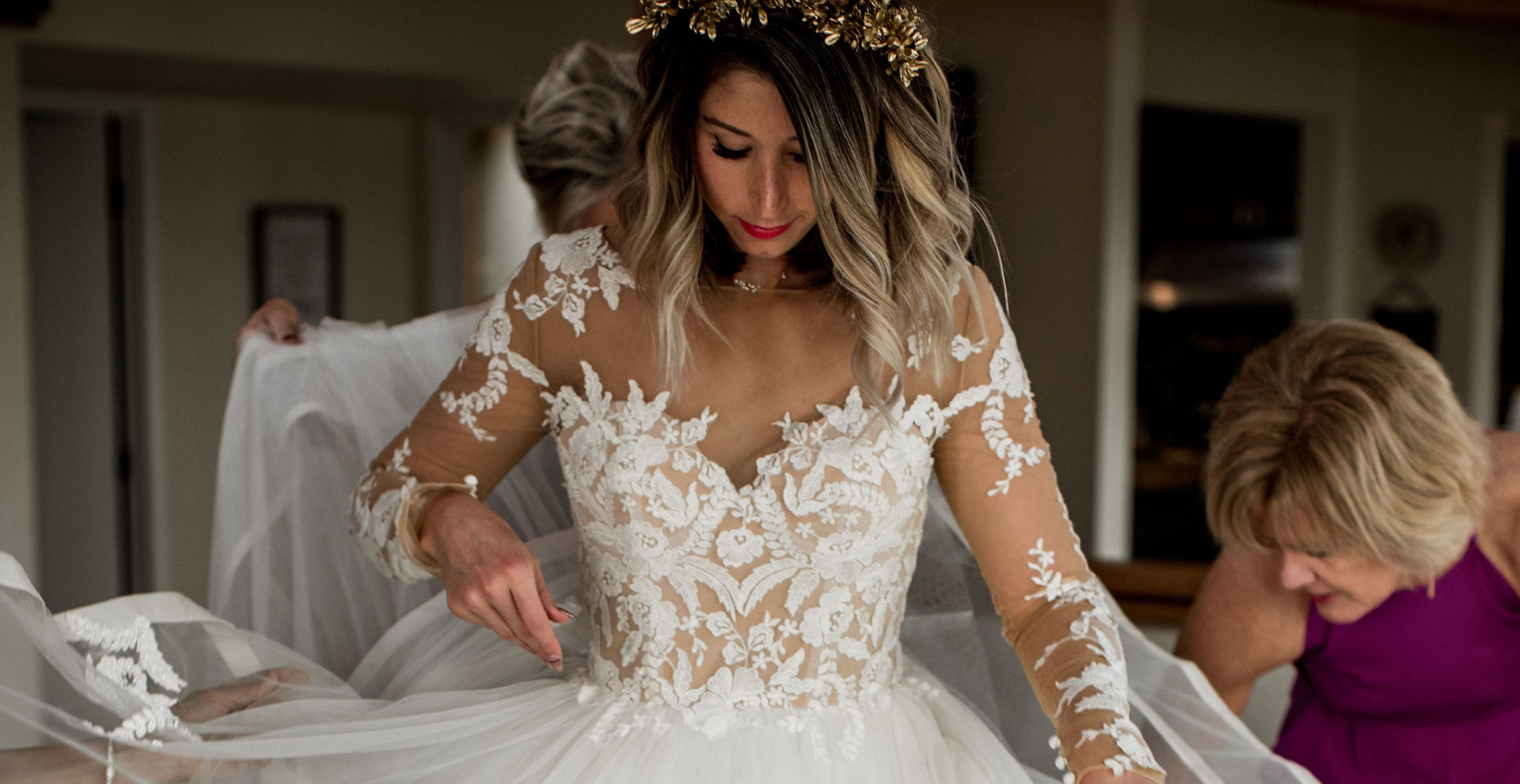 Anomalie is the best place to customize lace wedding dresses online.